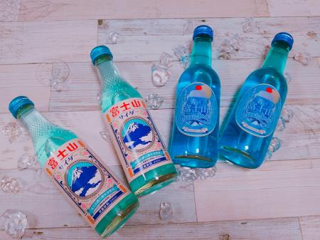 青い富士山クリームソーダ&富士山サイダー